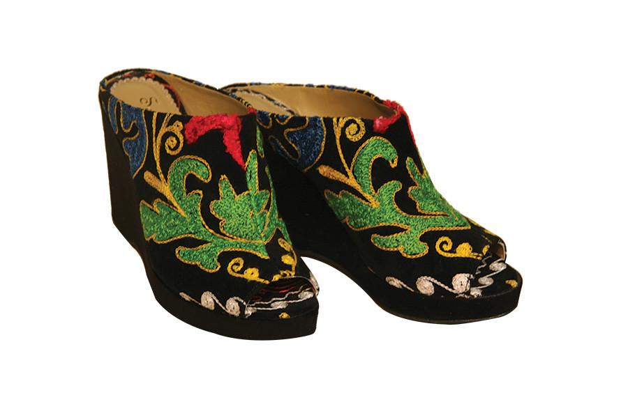 Scarlet Wedge Clog Kilim Boots
